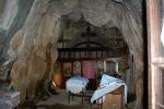 Горе лево на таваници је остатак иконе ћелавог Исуса