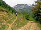 Када се не пролази цео кањон (тј. заобилази водопад), онда се наставља левим путем на горе