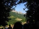 Истом шумском стазом којом смо стигли, крећемо на успон на јединствен и прелеп гребен Великог Крша
