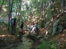 Речица Пераст води до Самара и пар пећина