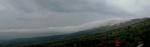 Са гребена се сливала магла