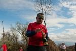 Никола једним искусним потезом отвара шампањац